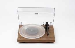 PRO-JECT DEBUT CARBON ESPRIT SB DC WALNUT + Sumiko Oyster